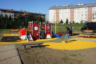 Plac zabaw dla dzieci przy SP 2 gotowy