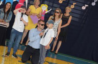 Rodzinne śpiewanie w przedszkolu na Hożej
