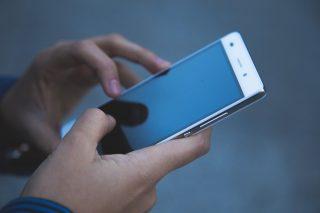 Dodatkowe numery telefonów i nowe linie tematyczne w ZUS w związku z koronawirusem