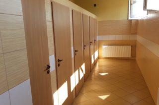 Jakie są szkolne toalety i jak to wygląda w powiecie mławskim?