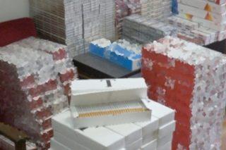 Ponad 65 tys. sztuk papierosów bez znaków polskiej akcyzy skarbowej u mieszkańca gm. Szreńsk