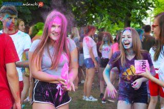 Było kolorowo i wesoło! Holi Festival w Mławie [fotorelacja]