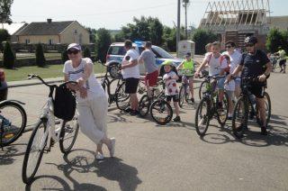 Rajd rowerowy w Wieczfni Kościelnej. Patriotycznie i sportowo