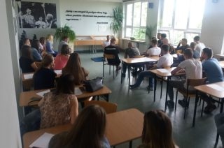 """Uczniowie """"Budowlanki"""" rozpoczęli 2 lipca płatne staże u pracodawców"""