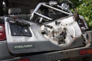 Tragiczny wypadek w Zarębach. Nie żyje pasażer landrovera