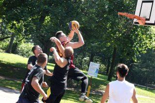 Streetball w lipcu w Mławie, w sierpniu w Wyszynach Kościelnych