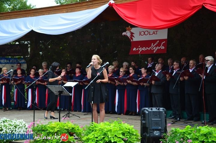 Mławska Orkiestra Dęta, chór Cantare i soliści zaśpiewali żołnierzom i o żołnierzach