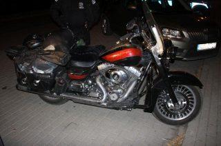 Wywrócił Harleya. Pasażerka ze złamaną nogą trafiła do szpitala