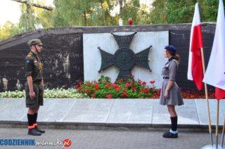 Uroczystości pod Mauzoleum Żołnierzy Września w Uniszkach Zawadzkich