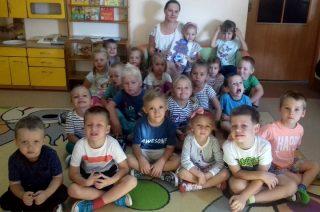 Na ochotnika czytają dzieciom bajeczki