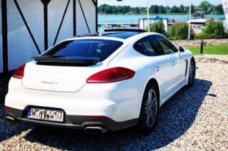 """Białe Porsche """"Froga"""" skradziono w okolicach Mławy"""