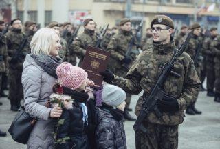 Przysięgę składali też żołnierze z Mławy