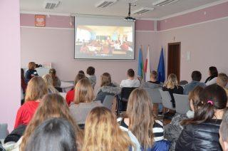Z uczniami o cyberprzemocy