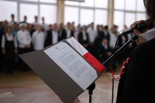 """""""A IMIĘ JEJ – OJCZYZNA"""" – obchody setnej rocznicy odzyskania Niepodległości przez Polskę w Budowlance"""