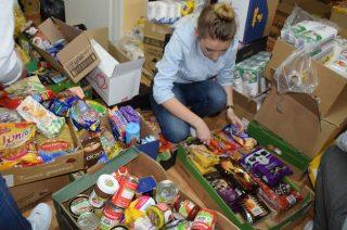 Podaruj potrzebującym produkty na świąteczny stół. Zbiórka żywności już w ten weekend