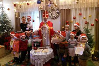 Przedszkolaki z Dzierzgowa w Chatce św. Mikołaja