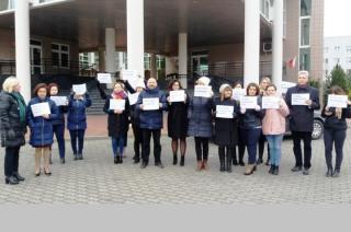 Pracownicy sądu w Przasnyszu protestują