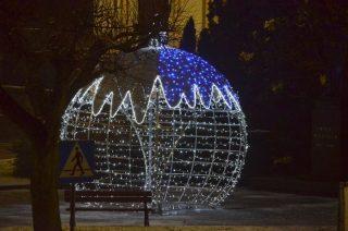 Stoi bombka i Mikołaj, to znaczy będą święta