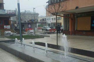 Działają fontanny przy handlowcu, ale to tylko próbny rozruch