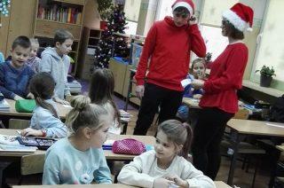 List do Świętego Mikołaja, lista prezentów i śpiewanie kolęd. Wszystko po angielsku