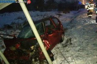 Wypadek w Bogurzynie. Osobowy kontra ciężarówka
