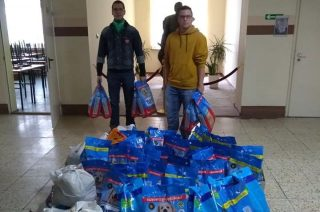 Młodzież w szkołach zebrała ponad 3,3 tony karmy dla zwierząt