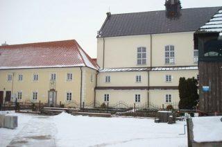 Zabytkowy klasztor w Ratowie odzyskuje dawny blask