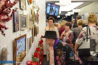 Wernisaż wystawy prac plastycznych i florystycznych w MDK