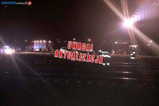AKTUALIZACJA: Mława. Wstrzymany ruch kolejowy, auto na torach