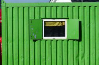 Ukradziono elektronarzędzia z kontenera budowlanego