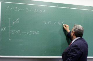 Podwyżki dla nauczycieli. Powiat już częściowo wypłacił, miasto płaci od 1 marca