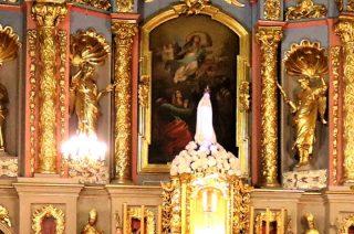 Z głowy figury Dzieciątka Jezus ukradziono pozłacaną koronę