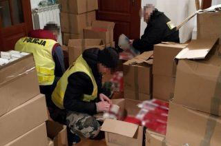 Nielegalna fabryka papierosów pod Mławą. 9 osób aresztowanych