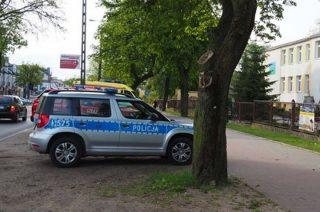 Policja do rana pilnuje szkół i szuka sprawców alarmów. Czy znajdzie?