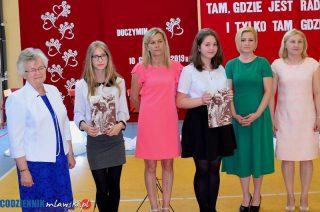 Duczymin. Roksana Grabowska i Kinga Zielich stypendystkami Fundacji im. O. Honoriusza Kowalczyka