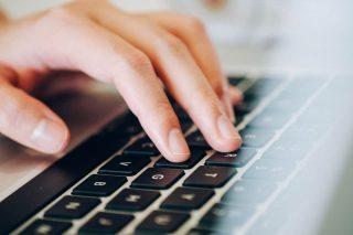Miasto zakupi 35 laptopów do zdalnej nauki