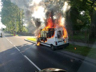 Ciechanów. Wczoraj pod jednostką na Wojska Polskiego spłonął van