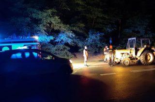 Ratownicy medyczni zepchnięci z drogi przez kompletnie pijanego traktorzystę!