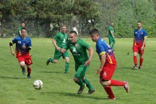 GKS poległ z juniorami, Ziółkowski na szóstkę