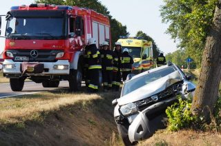 Trasa Stupsk-Konopki. Auto uderzyło w drzewo