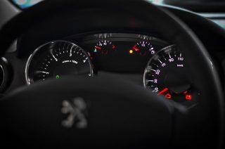 Za kierownicą Peugeota mławianin bez uprawnień
