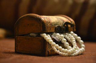 Zginęła złota biżuteria i zegarek