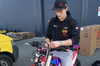 Strzegowo. Skradziono auto i motocykle Emila Juszczaka, sportowiec wyznaczył nagrodę