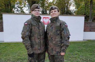Mławianie w mundurach – matka i córka Terytorialsami