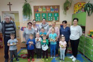 Międzypokoleniowe zabawy kulinarne z seniorami w Szkole Filialnej w Grzebsku