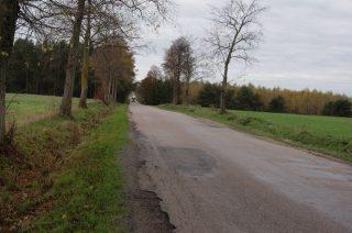 Ta wiadomość ucieszy kierowców. Gruntowny remont drogi Podkrajewo – Wiśniewo