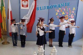SP w Dębsku: ślubowanie – uroczystość z pierwszoklasistami w roli głównej