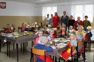 """To już trzecia edycja programu """"Piątkowe Śniadania"""" w ZPO w Szreńsku"""