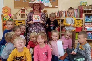 Ciocia Klocia z wizytą u przedszkolaków. Dobre słowa maja wielką moc