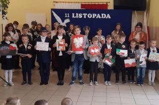 Narodowe Święto Niepodległości w Szkole Podstawowej w Dębsku